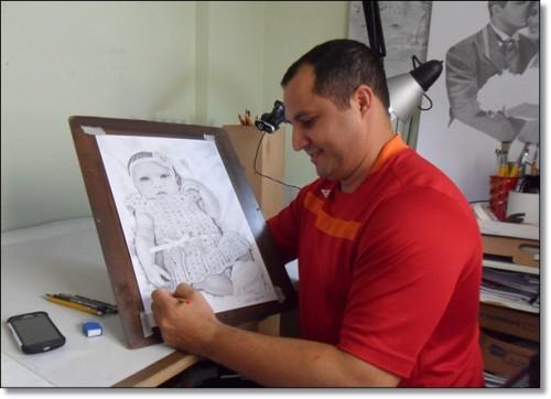 Curso de Desenho Realista de Carlos Damasceno - desenhando criança