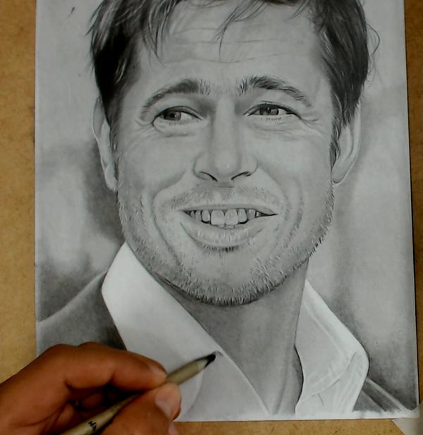 Curso de Desenho Realista de Carlos Damasceno - esfumando o retrato de Brad Pitt